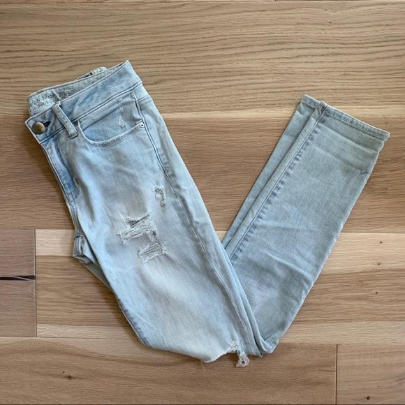 AEO Distressed Skinny Jeans Lightwash